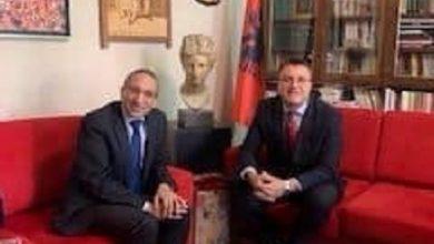 صورة السفير المصري بتيرانا يلتقي مدير المتحف الوطني الألباني