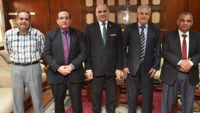 صورة لبحث التعاون المشترك.. وفد من وزارة الزراعة يلتقي رئيس جامعة الأقصر