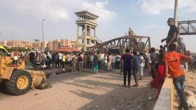 صورة مصرع وإصابة اربعة في سقوط كوبري الزهراء بطور سيناء